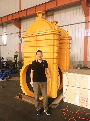 DN1200 GATE VALVE AND KEVIN GUO